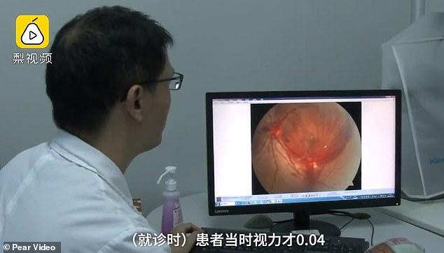 homme chinois shenzhen aveugle smartphone nuit