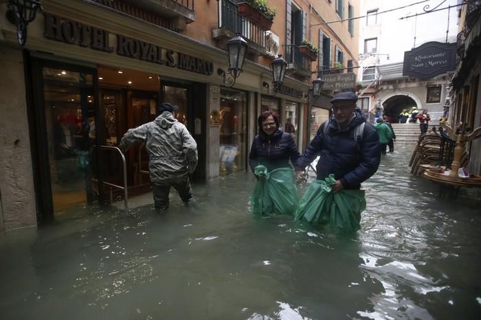 inondation venise eau changement climatique climat fonte glace mer