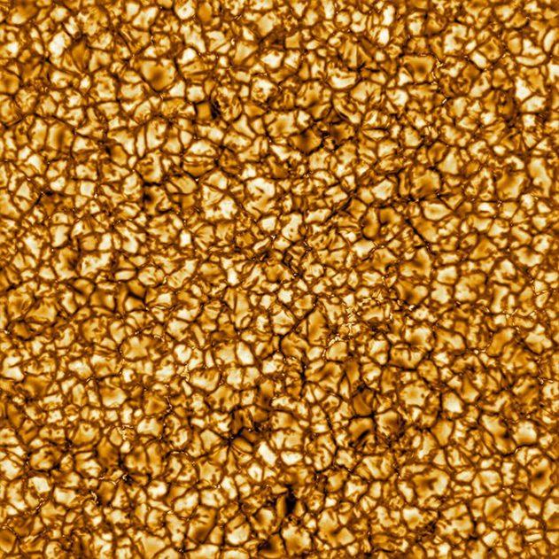soleil surface solaire granules plasma