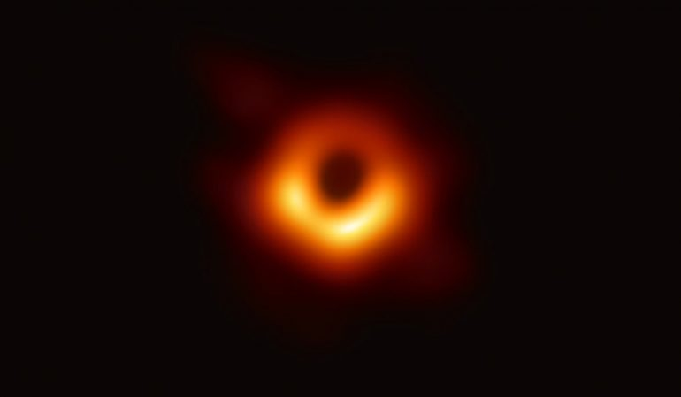 image M87* EHT 2019
