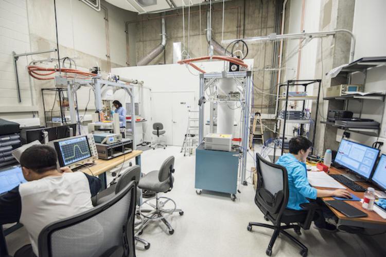 laboratoire physique quantique chris wilson photons