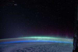 aurore polaire vent solaire