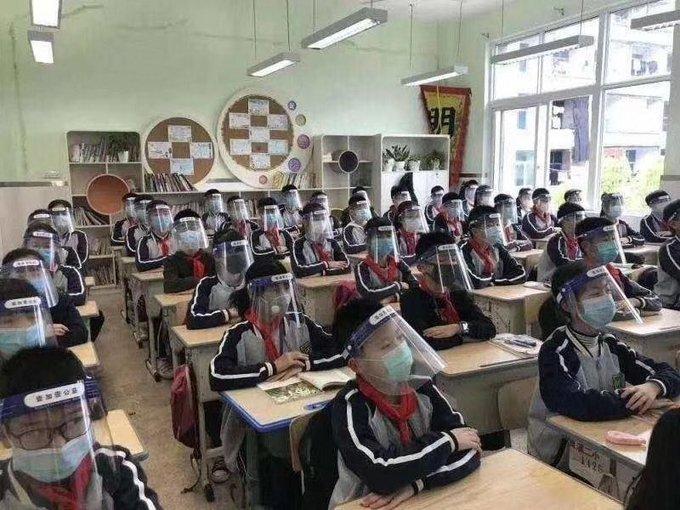 visière protection COVID-19 élèves taïwan