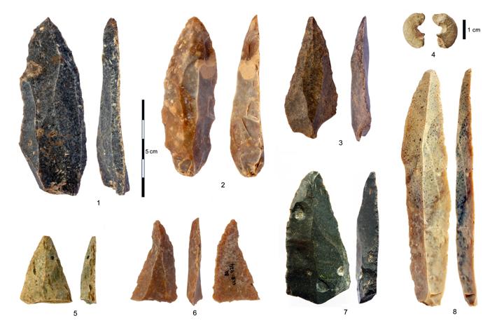 outils objets artefacts pierre ossement os homo sapiens