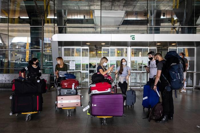 aeroport coronavirus pandemie covid-19 sars-cov-2
