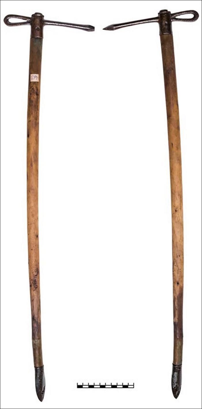coiffe amazone guerriere fille femme fleche carreaux pointe scythe tombeau