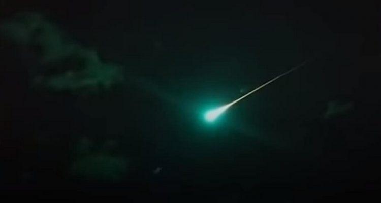 boule de feu meteorite australie bleue