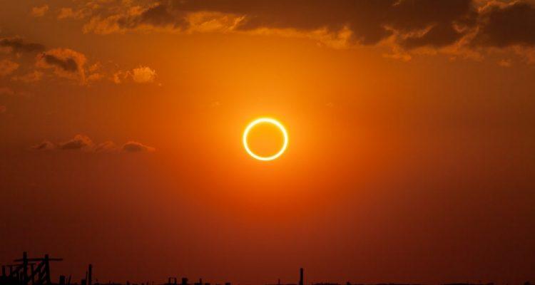 Une éclipse exceptionnelle de type