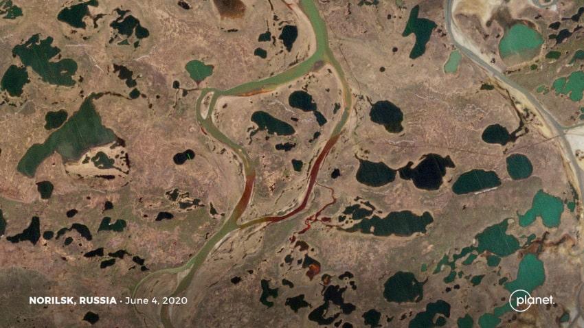 pollution marée noire rivière Sibérie