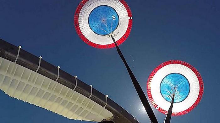 boeing parachute test