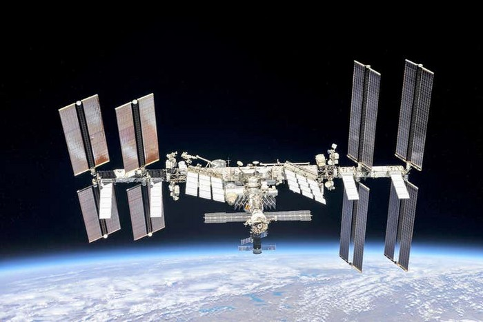 station spatiale internationale iss