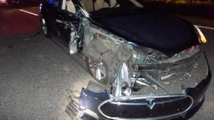 tesla accident pilote automatique