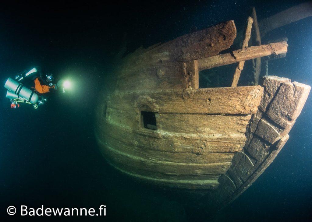 coque babord navire 17e siecle etrangement bien conserve decouvert mer baltique