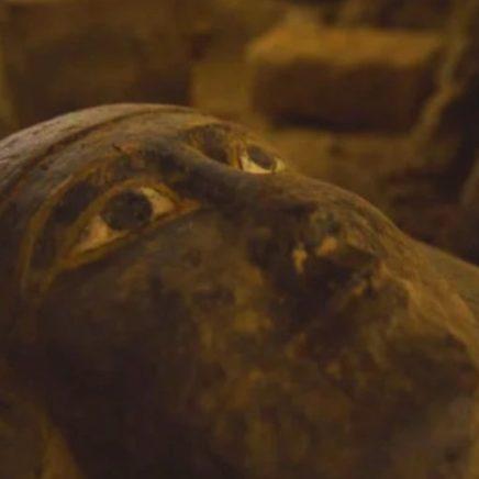 découverte cercueils intacts egypte