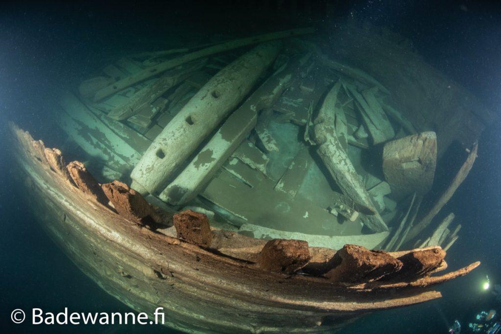 guindeau ancre avant navire 17e siecle etrangement bien conserve decouvert mer baltique