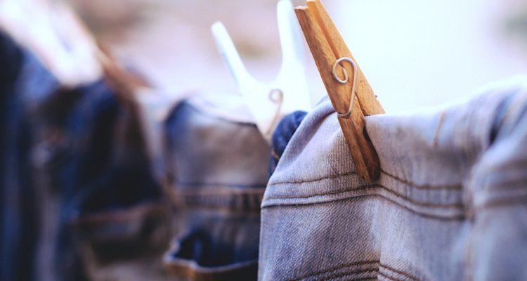 jeans polluent enormement eau liberent 50000 microfibres lavage