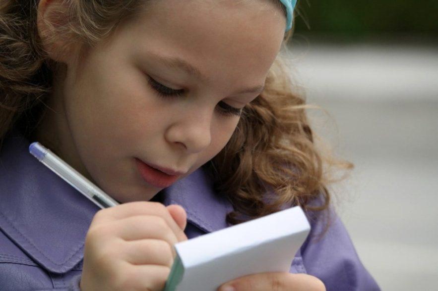 ecriture manuscrite cerveau enfants