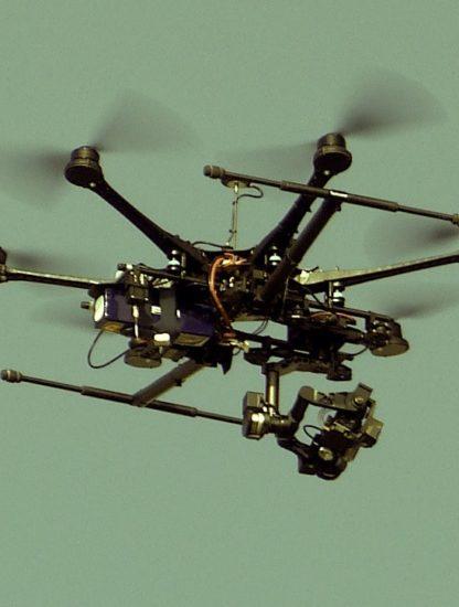 royaume-uni drone combat autonome ia muni deux fusils