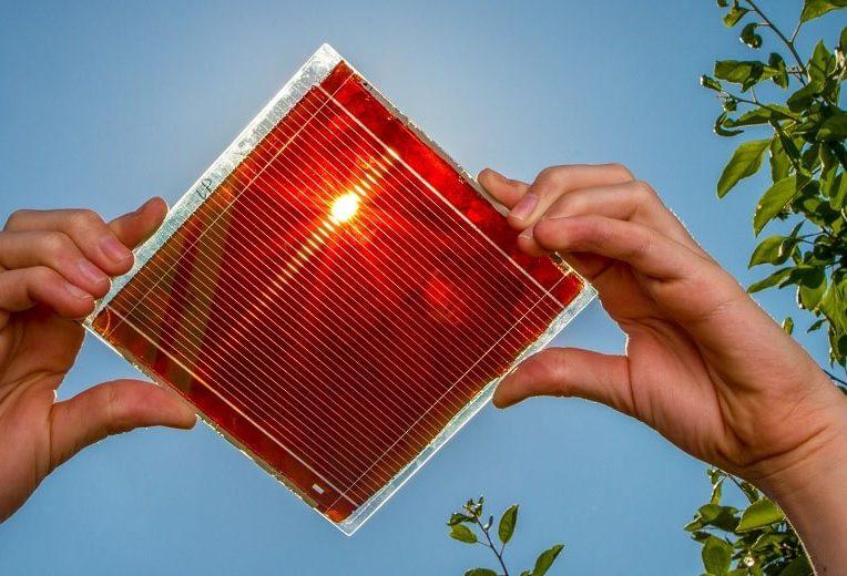 energie solaire intelligence artificielle prediction meilleurs materiaux