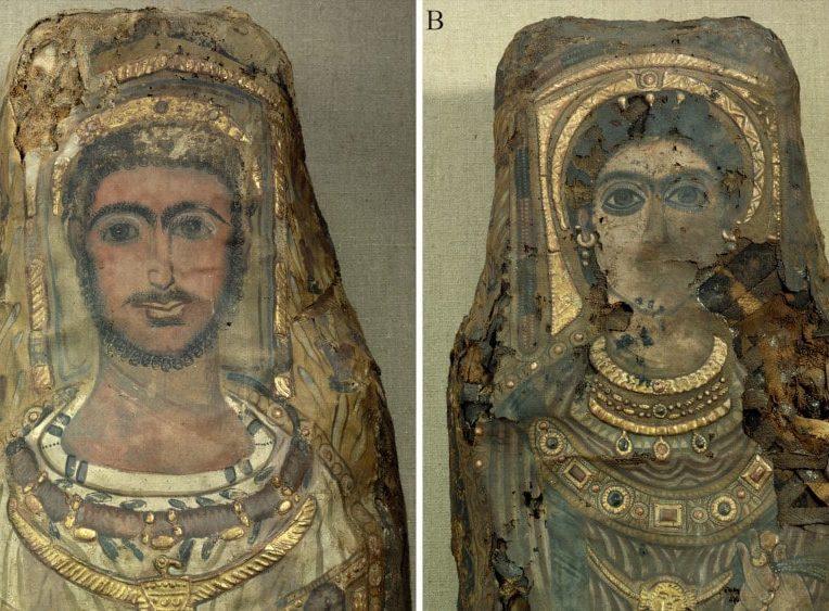 momie avec portraits