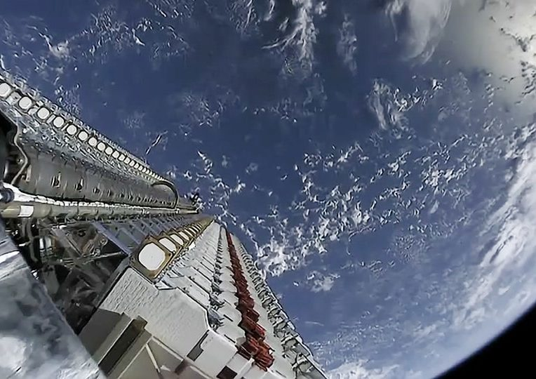 tests Internet satellites Starlink