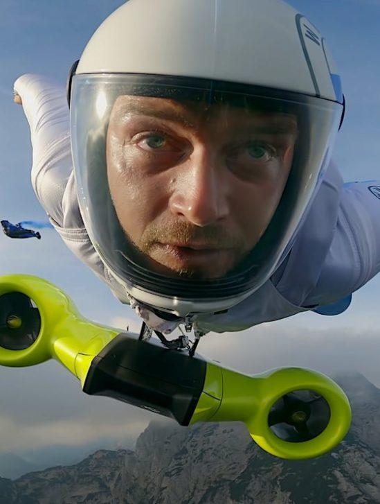 wingsuit electrique permettant vol 300 kmh