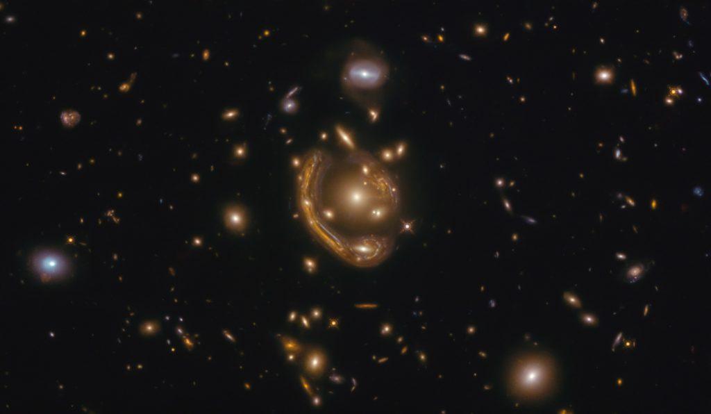 anneau de fusion d'amas de galaxies