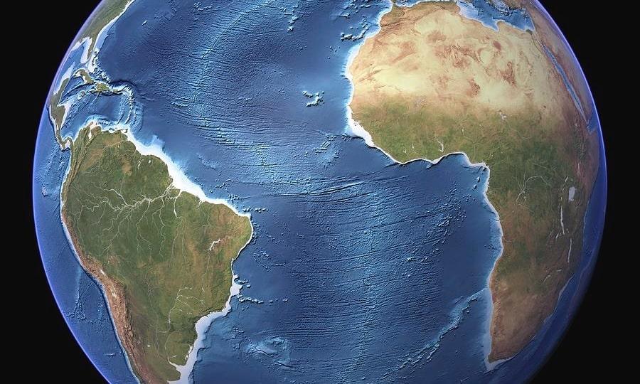 eloigement plaques atlantiques cause par remontees magma