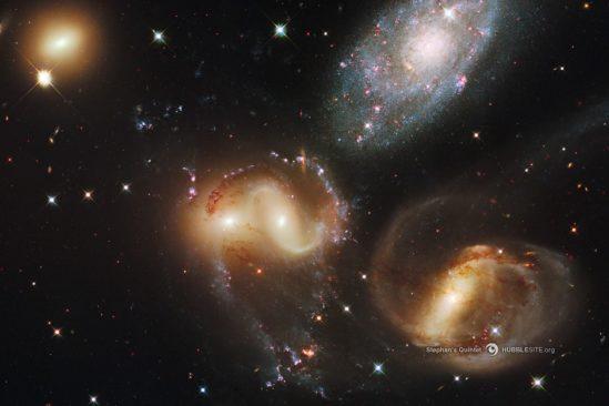 pourquoi galaxies differentes formes