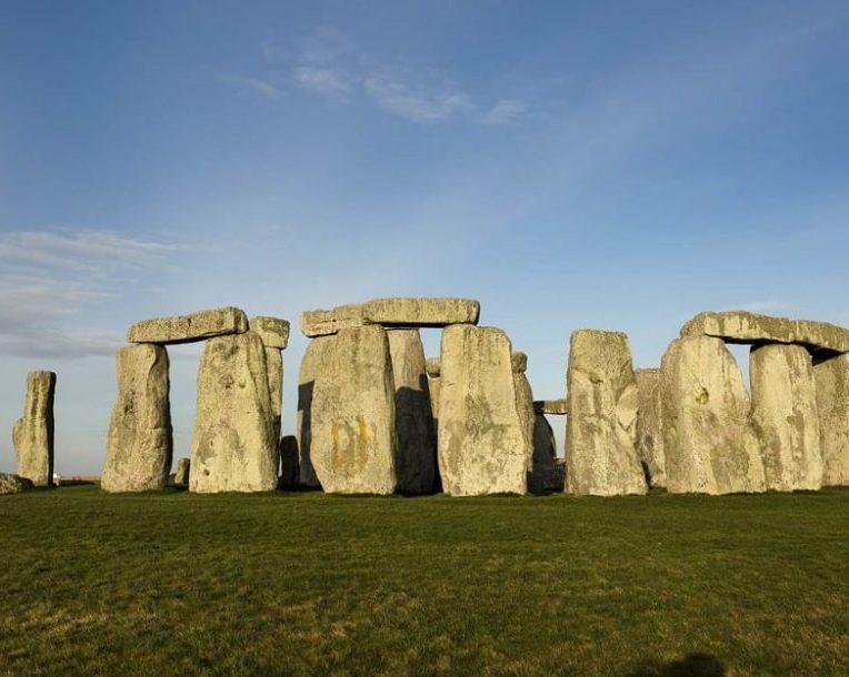 pourquoi stonehenge a ete construit