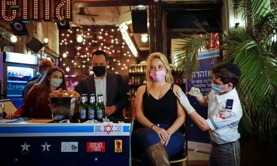 covid israeliens vaccines vie normale laissez passer vert