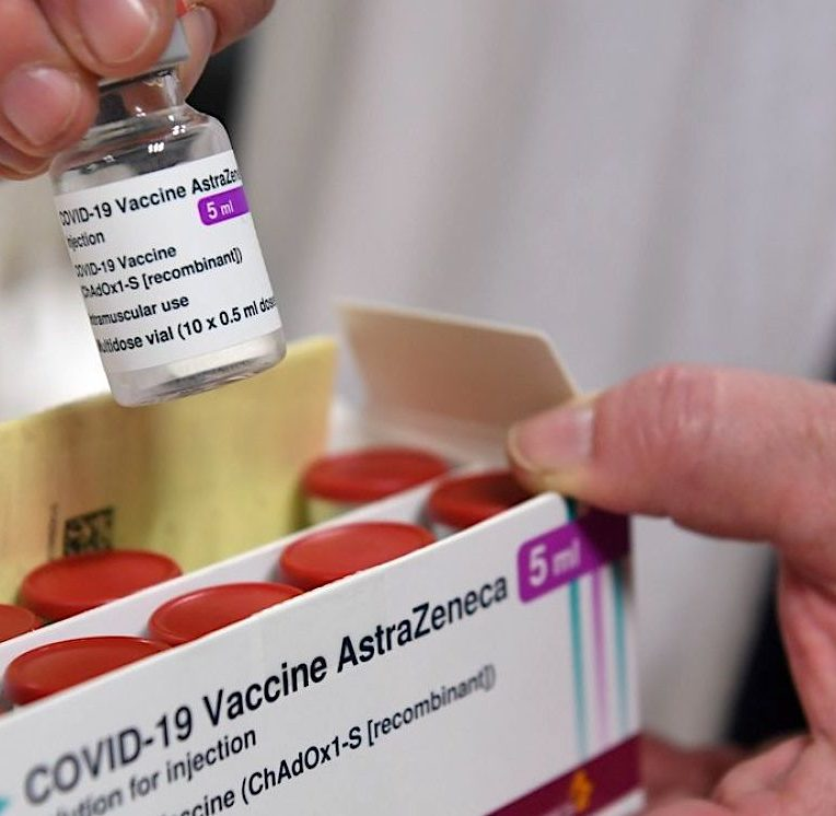 covid vaccin astrazeneca moins efficace contre variante sud-africaine