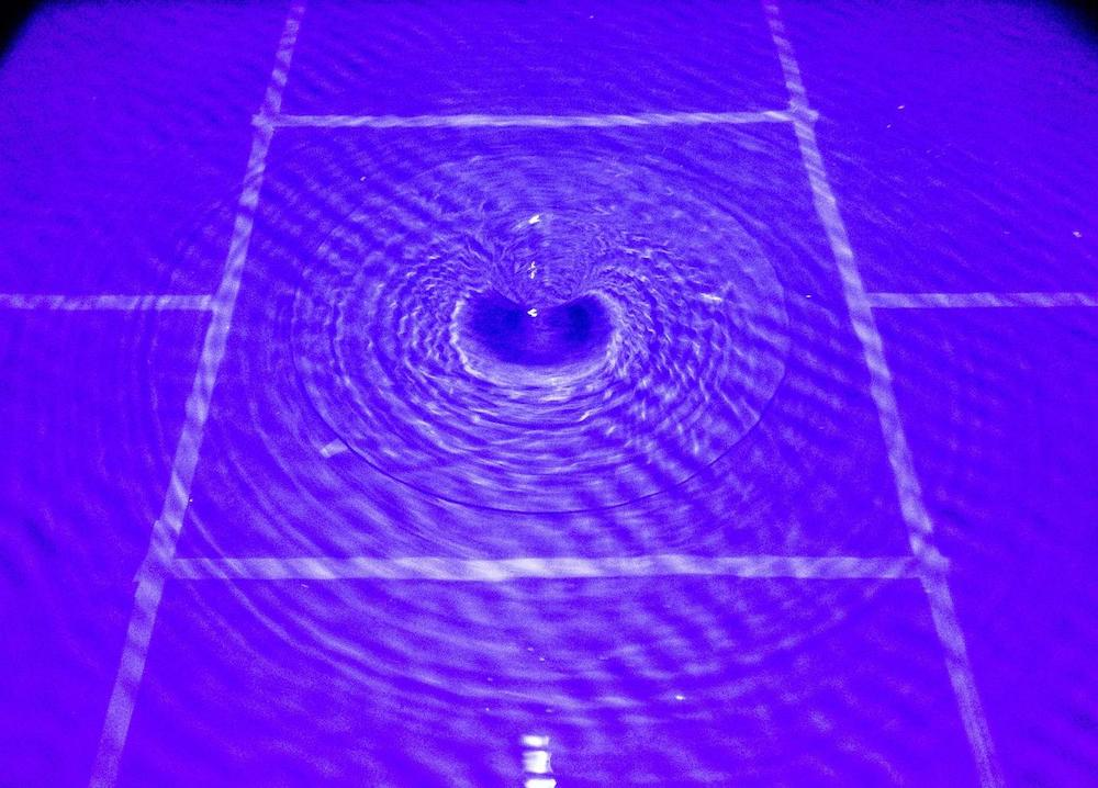 dispositif simulation retroaction trous noirs laboratoire