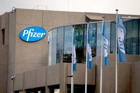 pfizer prevoit reduire temps production vaccin covid-19 50 pourcent