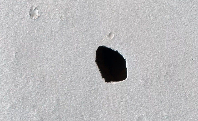 La NASA repère un étrange gouffre sur Mars - Trust My Science