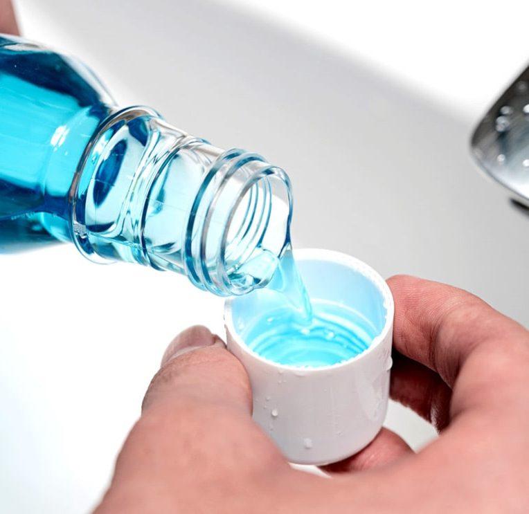 bains bouche virus covid-19