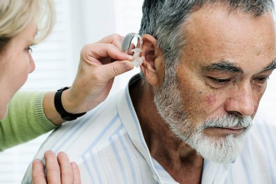 compenser perte audition grace appareils auditifs