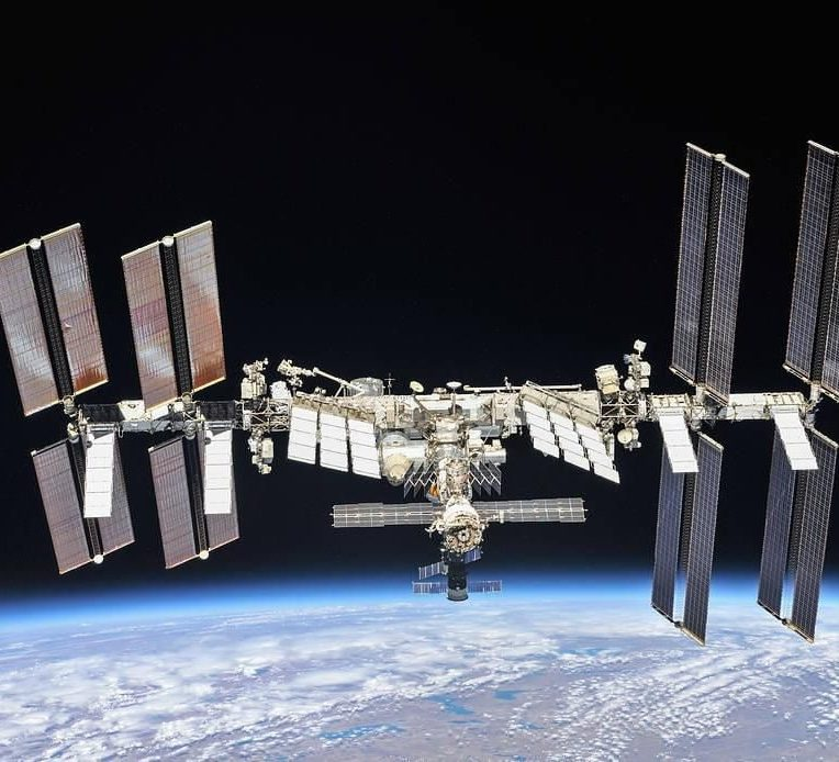 decouverte bacteries inconnues station spatiale internationale