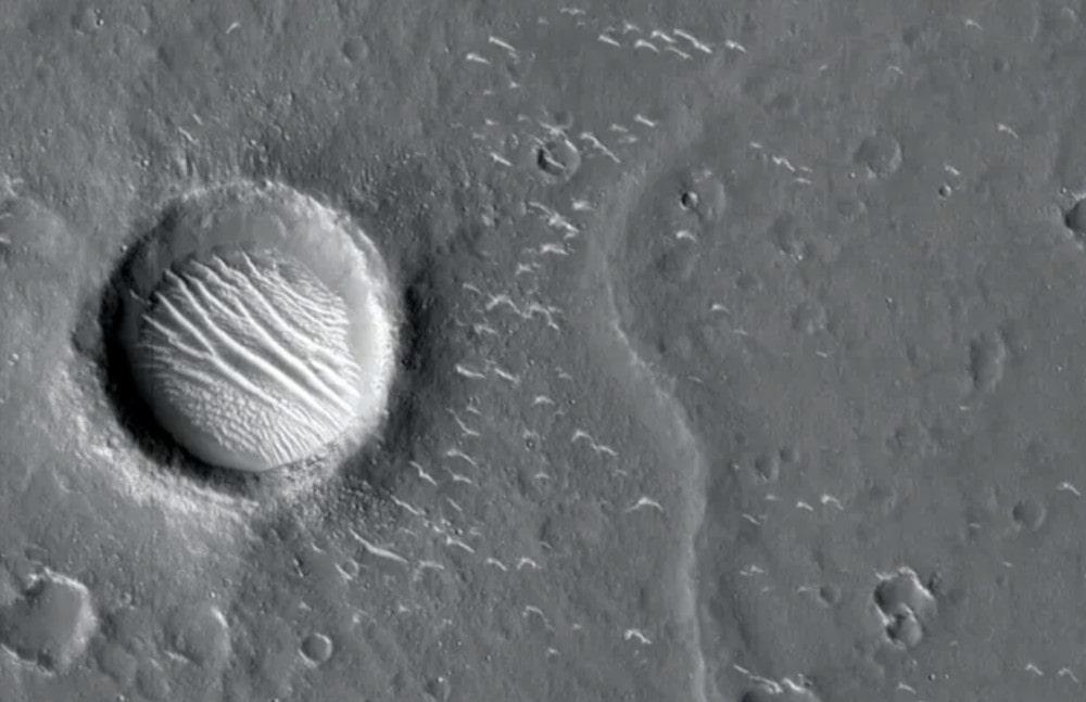 détails cratère mars