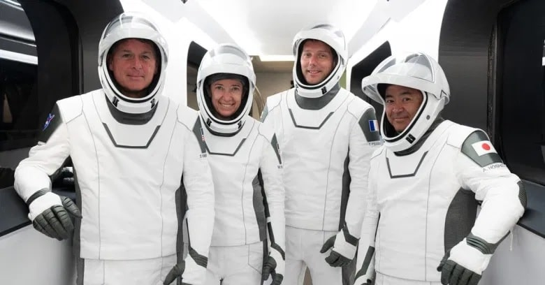 equipage astronautes crew2 iss