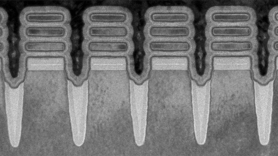 transistors nanofeuille ibm puces 2 nm