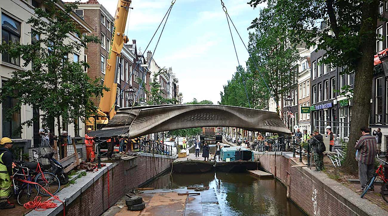 Inauguration du premier pont en acier imprimé en 3D au monde à Amsterdam