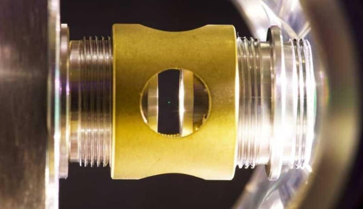 Des physiciens parviennent à contrôler les propriétés quantiques d'un objet macroscopique