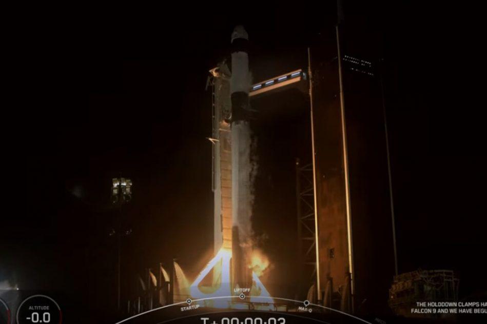 décollage vol spatial touristique SpaceX