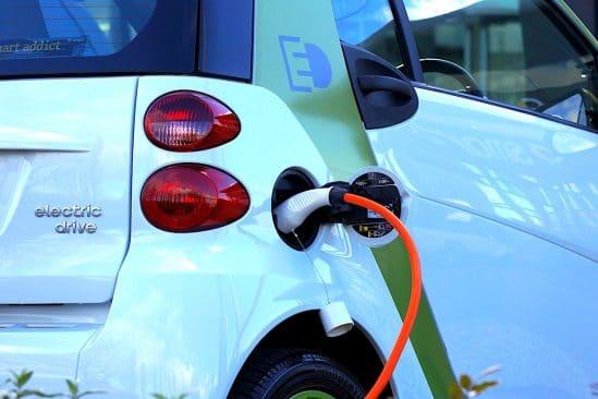 voitures electriques couteraient jusqua 40 pourcent de moins entretenir